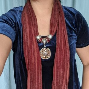 Necklace/scarf brown